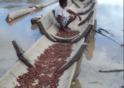 cacao-on-canoe